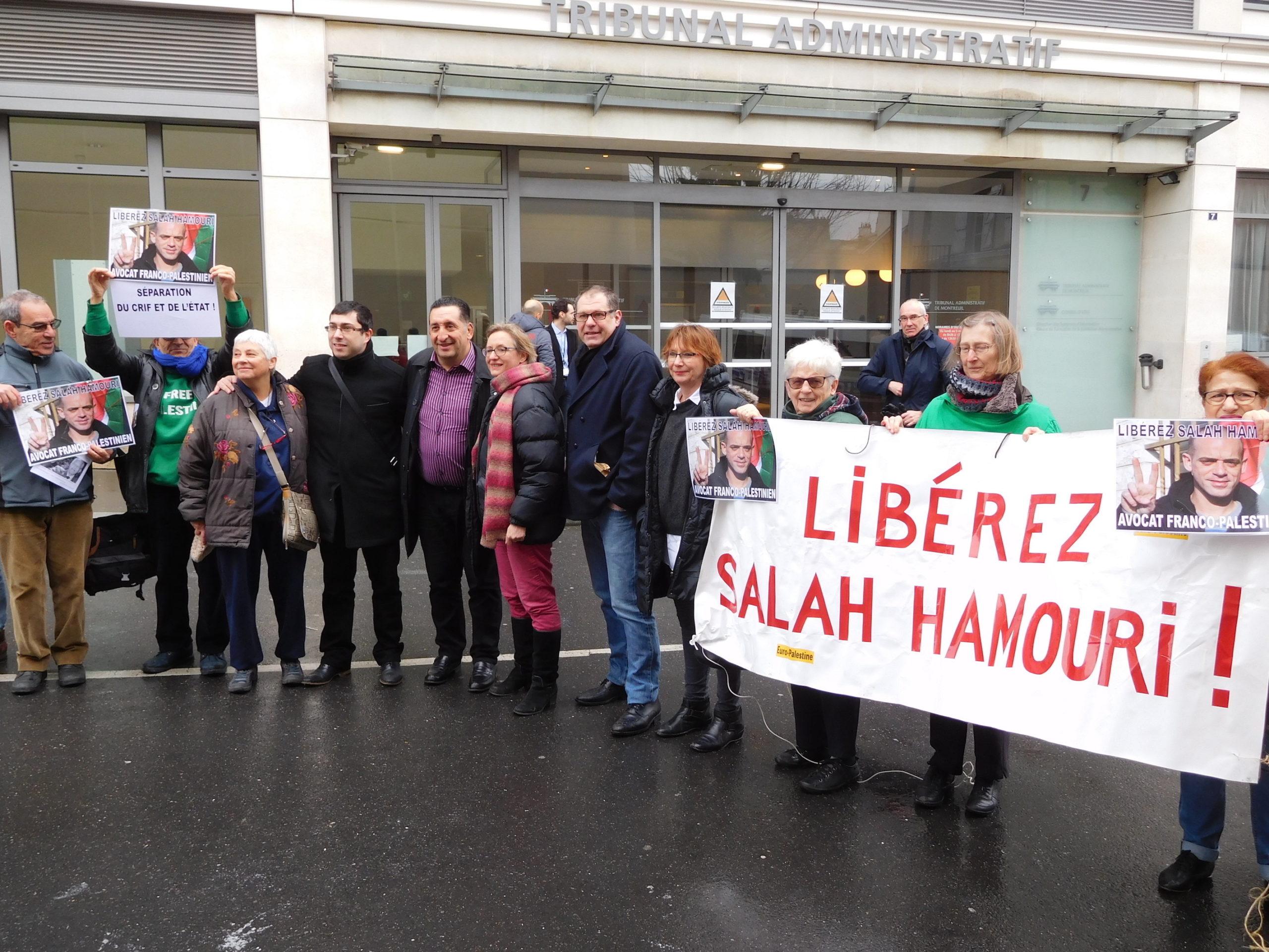 azzedine_et_nous_devant_tribunal_-_copie.jpg
