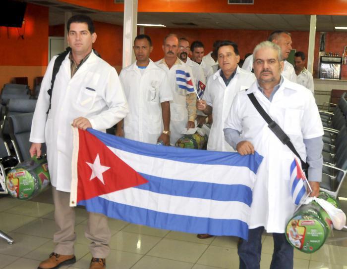 mediecins_cubains_arrivent_en_italie.jpg