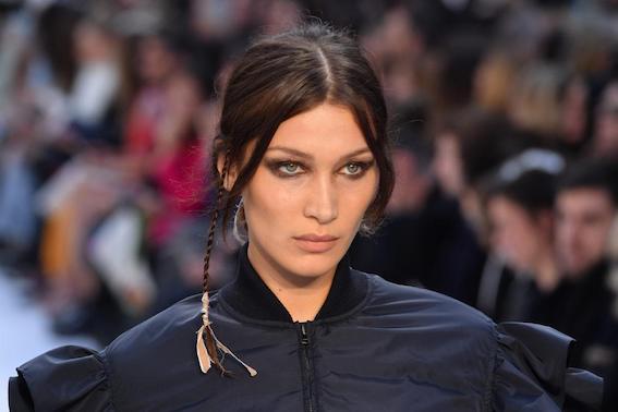 Après avoir supprimé un post du top model américain, se vantant de ses origines palestiniennes, Instagram a dû faire des excuses à Isabella Khair Hadid, dite Bella Hadid.