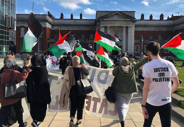BDS marque des points à l'université de Manchester et celle de SAOS à Londres !