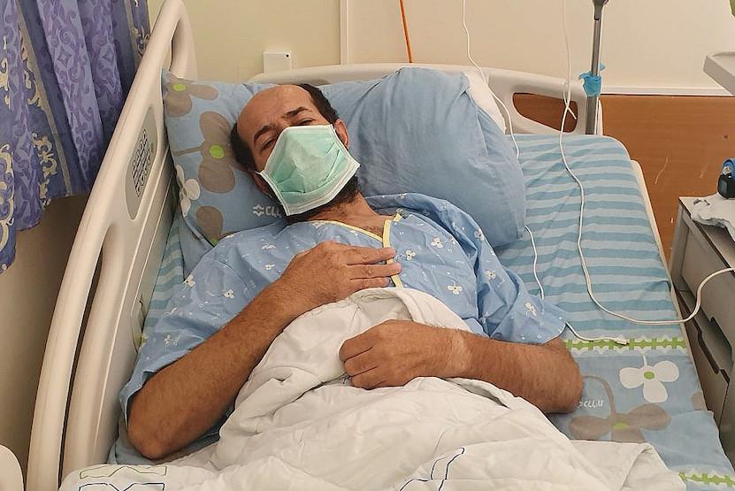Maher al-Akhras entre la vie et la mort à son 75ème jour de grève de la faim