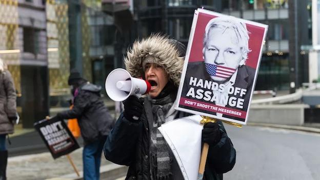 Julian Assange : le sadisme des criminels de guerre