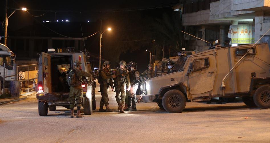 Une Palestinienne meurt d'un arrêt cardiaque suite à l'invasion du domicile de son frère