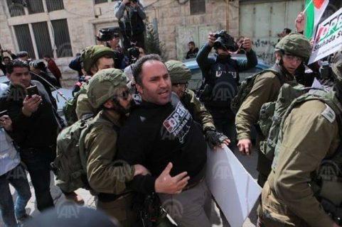 Trois mois de prison avec sursis pour Issa Amro