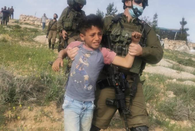 """Détention d'enfants palestiniens de 7 à 11 ans par l'armée """"la plus morale"""" (Vidéos)"""