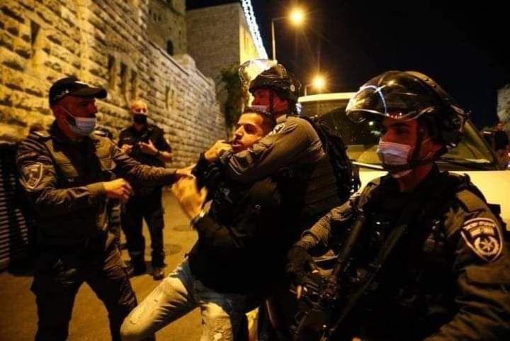 Ramadan: Des centaines de Palestiniens attaqués par les forces d'occupation (vidéos)