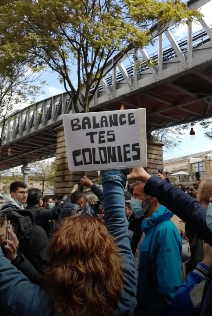 Chanson pendant la manif du 15 mai à Paris