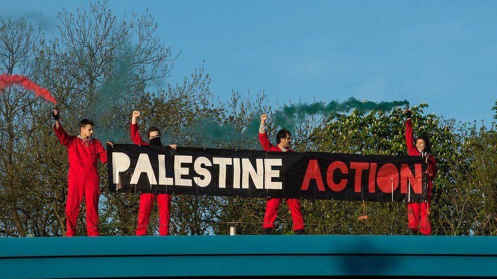 Le conseil des dockers des 5 continents  appelle à bloquer tous les armements destinés à Israël ! Solidarité partout !