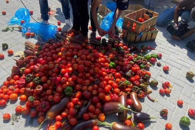 Rejet des fruits israéliens à Gaza, en réponse aux mesures israéliennes contre les produits palestiniens