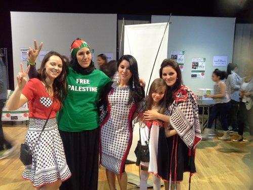 femmes_en_robes_palestiniennes.jpg