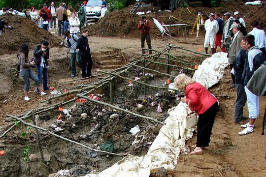 srebrenica-mass-grave.jpg
